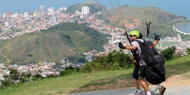 Voo de Paraglider em Caraguatatuba